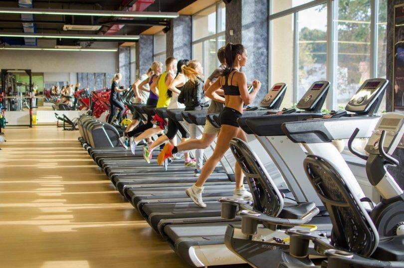 Фитнес-центры предлагают клиентам абонементы на рекордно кратчайшие сроки