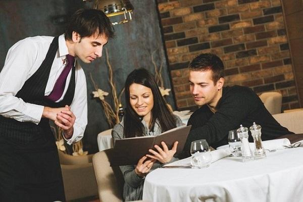 В летний период оборот кафе и ресторанов Москвы увеличился