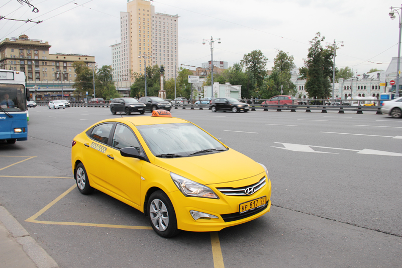ФНС разъяснила, как правильно заполнить заявление о регистрации ККТ для развозной торговли и такси