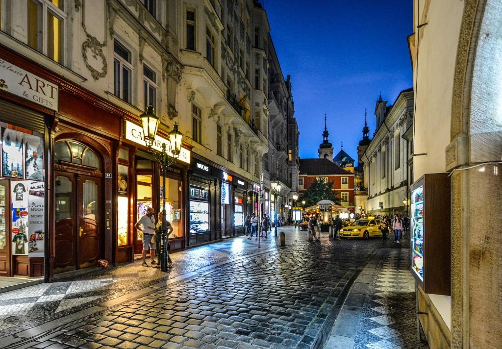В столице увеличилось число пустующих торговых площадей