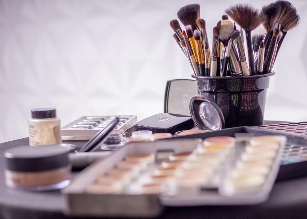 Осторожно: подделка! Продажу фальшивой косметики и парфюмерии в России оценили на 10 млрд